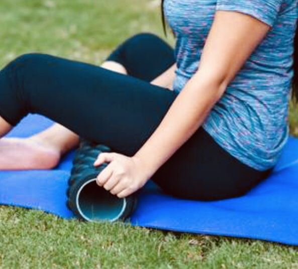 Foam roll, foam rolling, myofascial release, massage, stretching, foam roller, self-massage, health, wellness, wellbeing, exercise, fitness, DOMS,ROM, performance, recovery, physiotherapy, physical therapy, fisioterapia, thephysioformula, the physio formula, Elisabetta Brigo