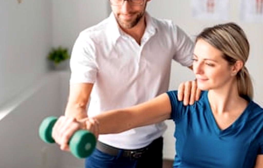 Manual therapy, massage, manipulations, triggers points, therapy, physiotherapy, physical therapy, health, wellbeing, spa, back pain, neck pain, the physio formula, STRENGTH TRAINING